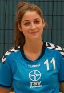 Die jüngste im Team, Viktoria Knödgen, verdiente sich beim 5-Satz Erfolg des TSV Bestnoten von Trainer Peter Fischer.